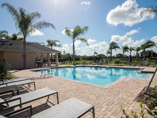 Gibsonton Townhome Community Offers Access to Top Tampa Attractions
